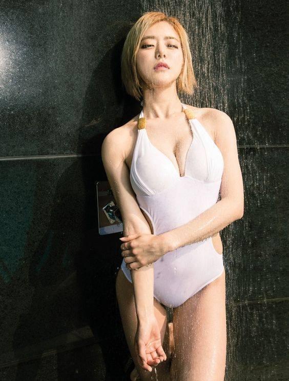 (Dj Soda) ดีเจโซดา เน็ตไอดอลเกาหลี ที่มาพร้อมกับความเซ็กซี่ ในสไตล์ของเธอ!